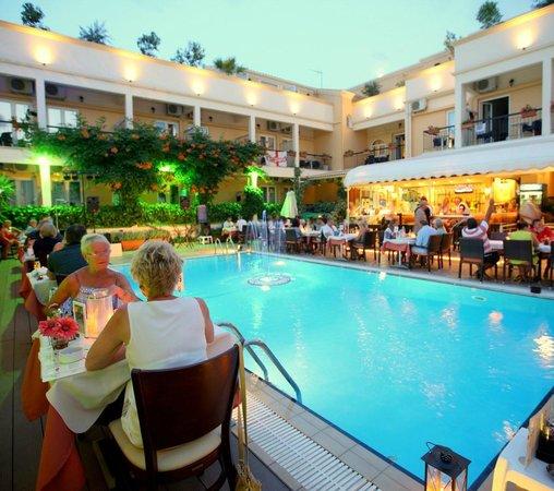 Hotel Telesilla: Pool Restaurant