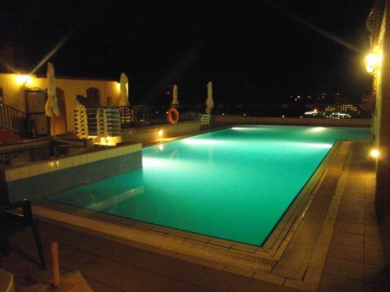Soreda Hotel : Rooftop Pool