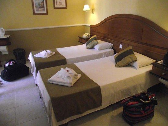 Soreda Hotel : Beds