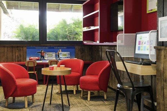 ibis styles chartres hotel le coudray france voir les tarifs et 111 avis. Black Bedroom Furniture Sets. Home Design Ideas