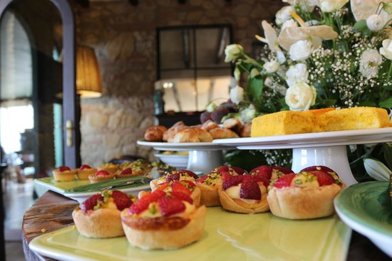 Hotel Villa Ducale : Some of the breakfast selection.