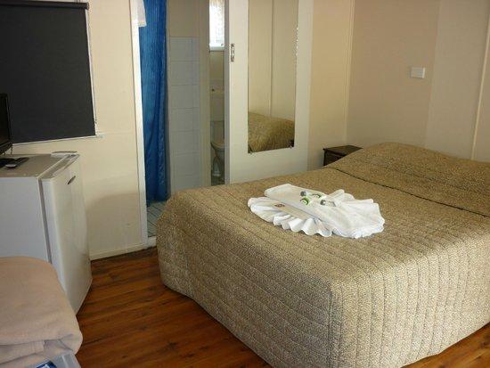 Roma Aussie Tourist Park: Budget Motel - Double