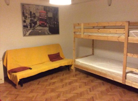Happy Hostel-Happyflat: stanze da letto e living