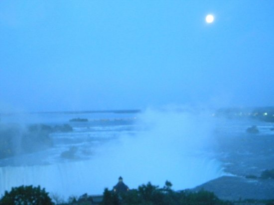 Oakes Hotel Overlooking the Falls: View from the room, moon over the falls