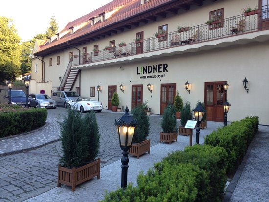 Lindner Hotel Prague Castle: Vacker omgivning