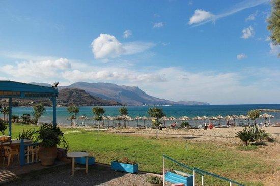 Nautilus Bay Hotel : Вид на пляж отлеля