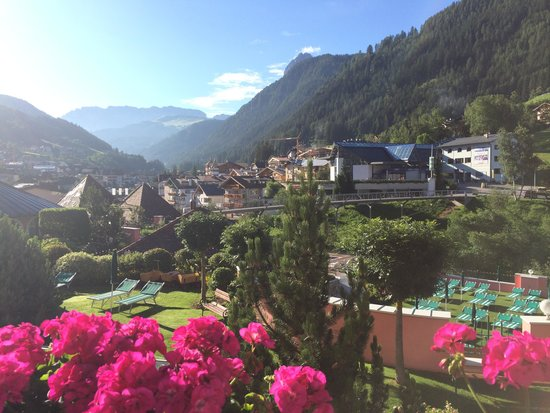 Cavallino Bianco Family Spa Grand Hotel: Vista dalla camera