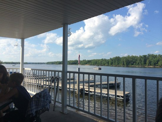 Slippery's Tavern and Restaurant: River View