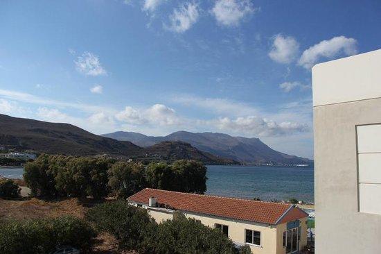 Nautilus Bay Hotel : Вид с террасы