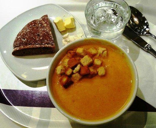 Karl Fazer Cafe : Carrot ginger soup- yum!