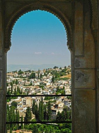 Blick von der Alhambra auf Albayzin