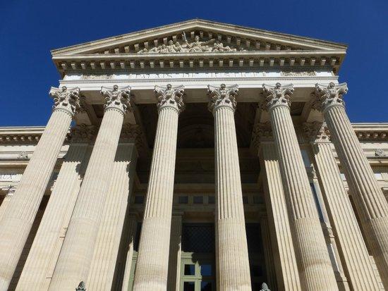 Hotel de L'Amphitheatre : Palaid de Justice, Nimes