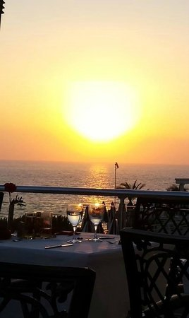 Korumar Hotel De Luxe: Vacances au Top, Resto au TOP