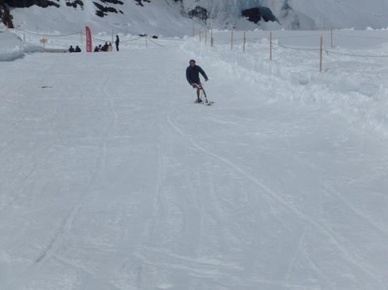 Jungfraujoch: snow scooter