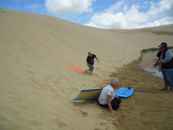 Te Paki Sand Dunes : We were trying to reach the stream...