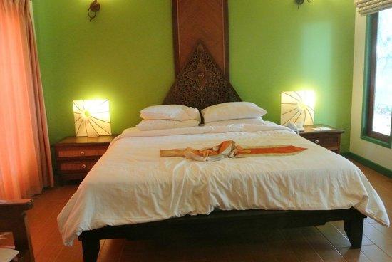 Arayaburi Boutique Resort : เตียงนอน สบาย
