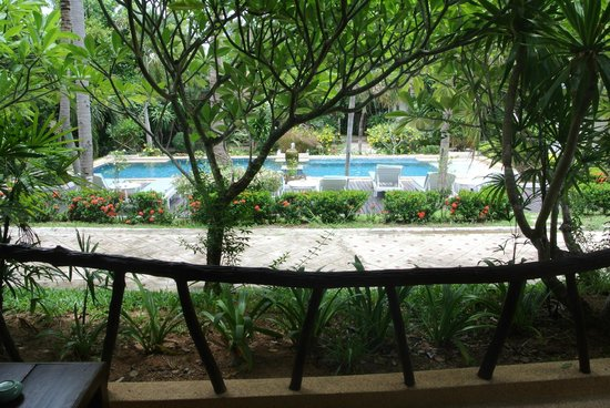 Arayaburi Boutique Resort : ห้อง ติดกับสระจากุชชี้