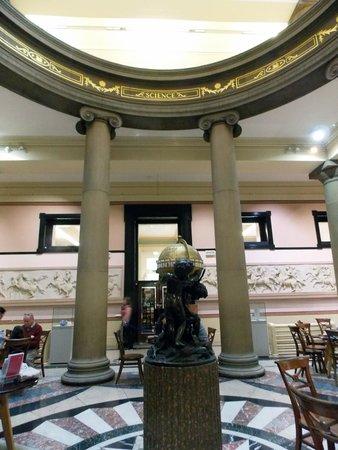 Harris Museum and Art Gallery: harris museum