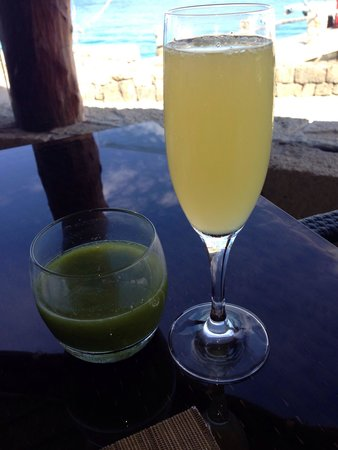 Presidente Inter-Continental Cozumel Resort & Spa: Mimosa and detox juice