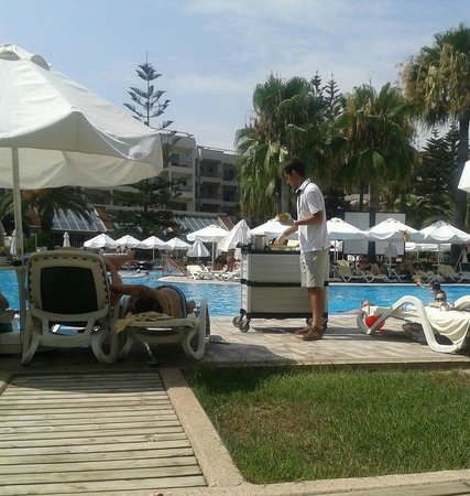 Barut Hemera : Melon at hemera pool