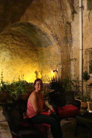 The Fauzi Azar Inn : la cour extérieur