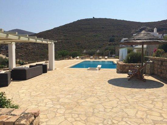 Onar Patmos: Pool area
