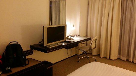 Regal Airport Hotel: Bedroom