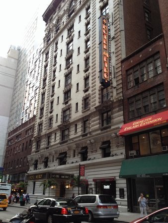 Hotel Metro: Front facade west 35th street