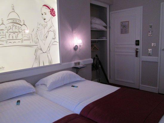 Hotel Elysee Gare de Lyon : Habitación 504 con pequeño armario