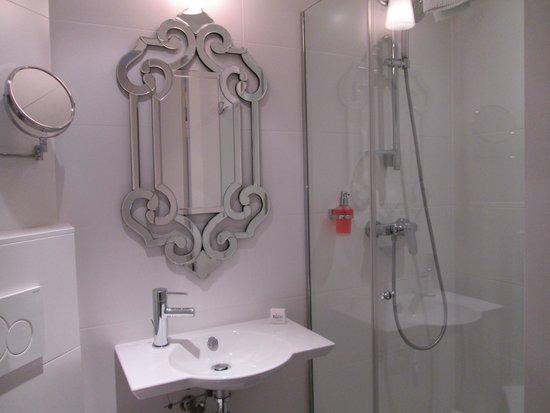 Hotel Elysee Gare de Lyon : Cuarto de baño