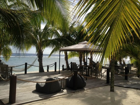 Magic Reef Bungalows: Magic Reef, right on the beach