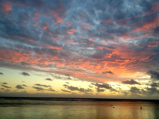Magic Reef Bungalows: Sunset!