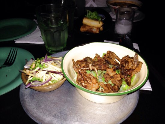 Photo of Asian Restaurant Qi Thai Grill at 176 N 9th St, Brooklyn, NY 11211, United States