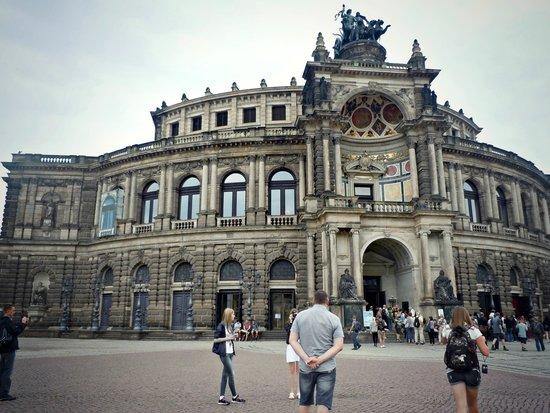 Semper Opera House (Semperoper) : travel_EB_13