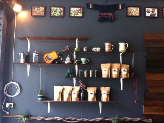 NANGNON COFFEE: store decoration