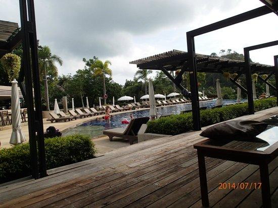 Pakasai Resort: The pool area