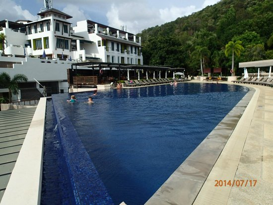 Pakasai Resort : The awesome rooftop pool