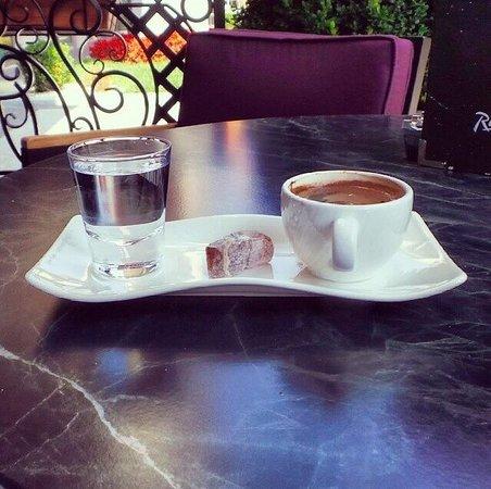 Radisson Blu Hotel, Istanbul Sisli : Türk kahve at Bon a Petit