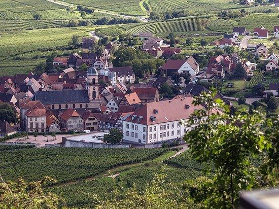 Qualys-Hotel Val-Vignes: Val-Vignes vue du vignoble