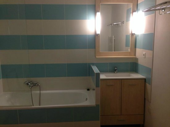 Pierre & Vacances Résidence Costa Plana : La salle de bain