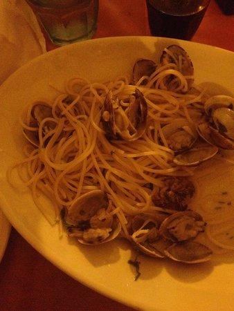 Trattoria Lillicu: Clam pasta. Salty.