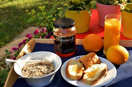 Acropol Hotel: Breakfast