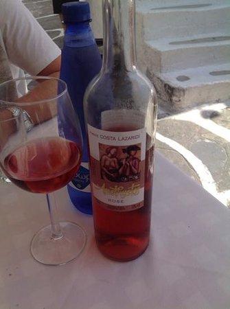 Niko's Taverna : ottimo rosè locale