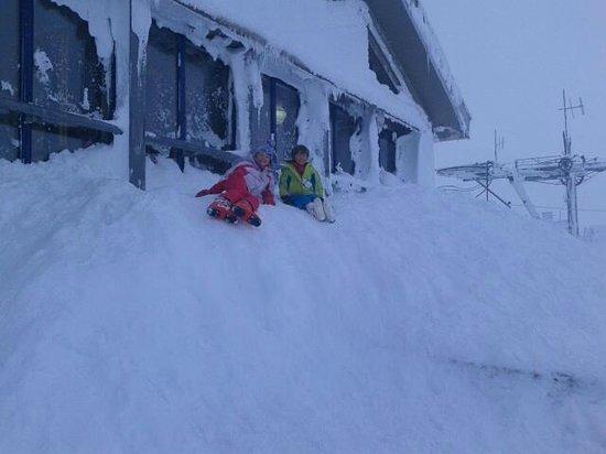 CairnGorm Mountain: A small snow drift.