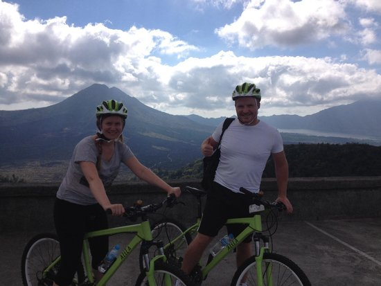 Alila Ubud: Excellent bike riding with Wi starting at volcano!