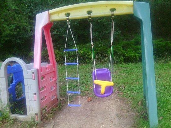Lago Verde Hotel Restaurant & Park : giochi abbandonati