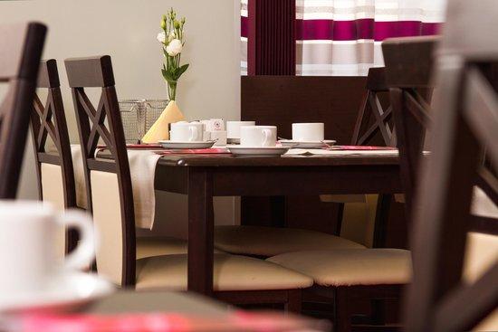 Dikul Centrum Hotel: Sala śniadaniowa