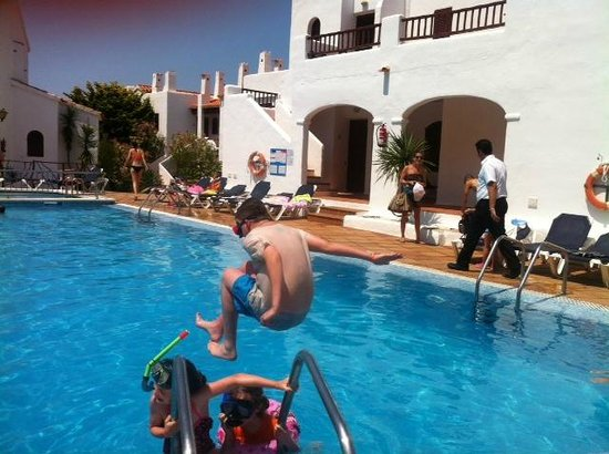 Tramontana Park: jumping into the pool