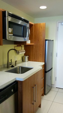 Home2 Suites by Hilton Rochester Henrietta: Kitchenette
