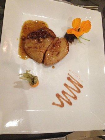 la MARMITE : Foie Gras Chaud de Canard de la ferme du Village sur Pain d'Epices,Confit de Cidre